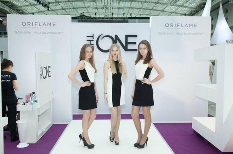Орифлэйм - официальная косметика юбилейной недели моды в москве.